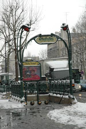 Le métro Mouton-Duvernet