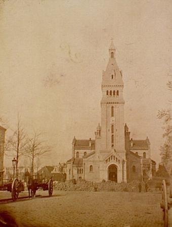 medium_saint_pierre_de_montrogue_barricade_1870.jpg