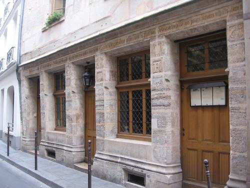 visites familiales paris,visite en famille paris,visiter paris en famille,balade historique famille,enfants visites paris,visiter paris enfants,moyen age enfant visite,ateliers en famille histoire,