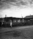 Doisneau Bidonville Ö Ivry 1946.jpg